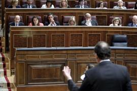 Rajoy y Rubalcaba se reprochan destruir el Estado de bienestar