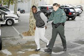 La jueza interroga al africano acusado de drogar y violar a una joven en Calvià