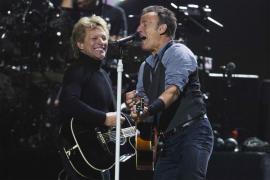 Springsteen, Bon Jovi y los Rolling cantan por las víctimas del Sandy