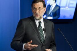 Rajoy muestra su respaldo a Wert y asegura que su reforma no va contra lengua alguna