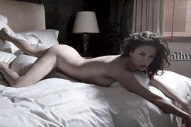 Catherine Zeta-Jones, al desnudo