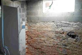 Sant Josep ordena demoler unas habitaciones hechas en una piscina