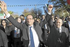 Hollande asume ante los argelinos la 'brutalidad' de la colonización francesa