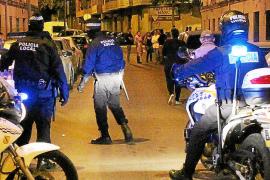 Detenido un chico de 17 años por pegarle a su novia de 16 en plena calle de Palma