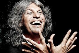 José Mercé acerca a Palma su flamenco «fresquísimo, vivo y que invita a la vida»