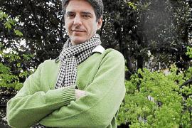 PALMA. MUSICA. FRANCESC VICENS , MUSICOLOGO QUE ESTUDIA LA MUSICA DE SANT ANTONI.