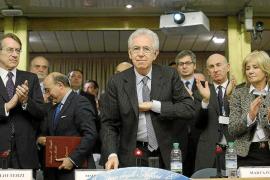 Monti cumple su compromiso y dimite tras la aprobación de los presupuestos