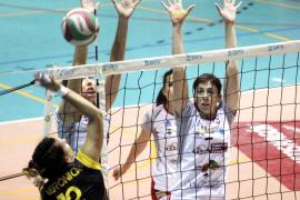 Partido de la superliga femeina entre el Valeriano Alles Menorca y CV Aguere (3-0).