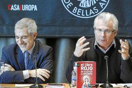 Garzón no descarta volver a la política, ahora de la mano de Llamazares