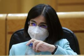 La ministra de Sanidad, Carolina Darias, en el pleno del Senado de este martes