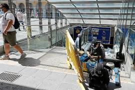 Empieza la reparación de las escaleras mecánicas de la Plaça Major