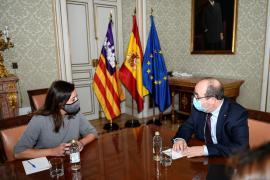 Armengol recibe el compromiso de Iceta para impulsar el traspaso de Costas y Litoral a Baleares