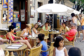 Los turistas extranjeros gastaron en Baleares un 6 % más hasta noviembre