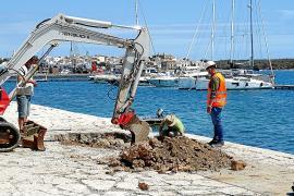 Empiezan las catas y trabajos previos a la restauración del muelle de Portocolom