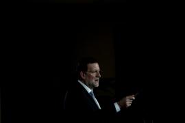 Rajoy pide comprensión por los recortes, «ineludibles» para evitar la quiebra de España