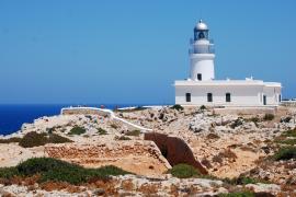 Los faros son uno de los atractivos de Menorca.