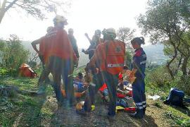 Laborioso rescate de un joven herido al sufrir una caída mientras escalaba en Andratx