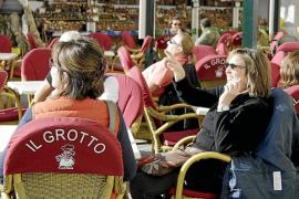 La Conselleria de Salut abre 168 expedientes a bares y restaurantes por incumplir la ley del tabaco