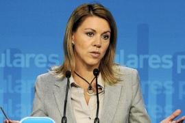 Los sueldos de María Dolores de Cospedal en 2011 desatan las críticas del PSOE