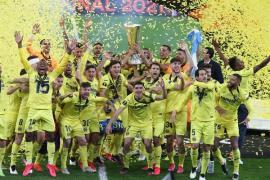 Los jugadores del Villarreal celebran su victoria