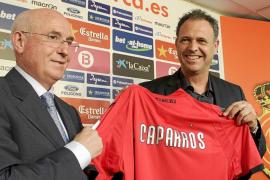 Caparrós pone en jaque la política de fichajes