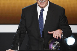 FIFA Men's Coach of the Year 2012 del Bosque of Spain speaks during the FIFA Ballon d'Or 2012 Gala in Zurich