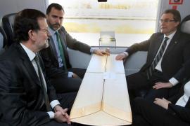 La inauguración del AVE no logra acercar las posturas de Rajoy y Mas