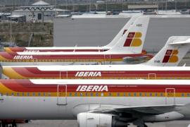 Iberia reduce a 3.836 los despidos y contempla un ERE temporal de 1.027 empleos