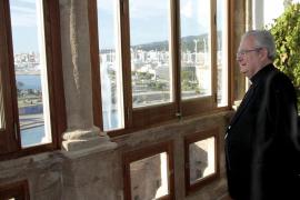 Salinas impone otro estilo en el Obispado