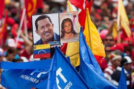 Miles de venezolanos se manifiestan al grito de «¡Todos somos Chávez!»