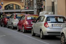 Cerca de 350 vehículos desfilan  en Palma contra el impuesto a los rent a car