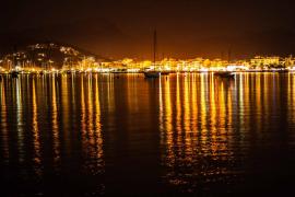 Puerto de Pollença de noche