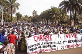 Francia acude al rescate del Gobierno de Mali ante el avance islamista