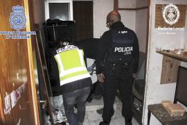 Los detenidos en Son Gotleu vendían droga a los menores antes del inicio de las clases