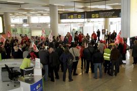 Los trabajadores de Son Sant Joan se oponen a la subida de precios en el parking