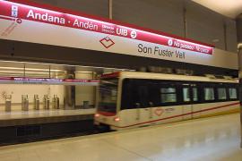 Cierran tres estaciones del  metro de Palma tras recibir avisos sobre un olor a gas