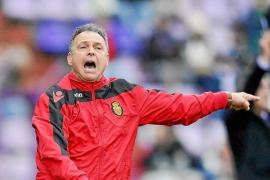 Caparrós reprende a Pereira por la entrevista de Ultima Hora y después anuncia que será titular