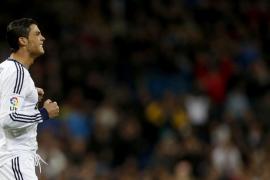 El Madrid se aferra a la Copa (2-0)