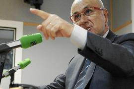 El PSC pide a CiU y ERC que rebajen sus «posturas maximalistas» para dialogar