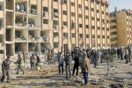 Más de 80 muertos en un bombardeo en la universidad siria de Alepo