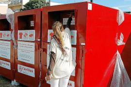 Palma pasa de no tener contenedores para la ropa usada a contar con 125 en un año