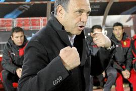 Claassen pide la destitución de Caparrós