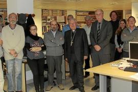 El nuevo obispo de Mallorca, Javier Salinas, visita la sede del Grup Serra