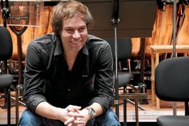 «Los contactos para que la orquesta pueda salir fuera están hechos»