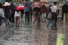 El temporal de viento y lluvia pone a Baleares en alerta naranja