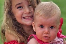 Imagen de las pequeñas Olivia y Anna