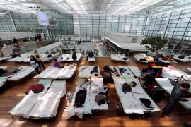 20.000 de los 24.000 vuelos previstos para ayer en Europa tuvieron que ser cancelados