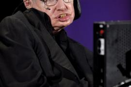 Stephen Hawking y James Woods, entre las personas vivas más inteligente del mundo