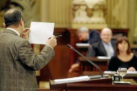 Aguiló deja en el aire si cumplirá con el déficit y culpa a la oposición del estado de las cuentas