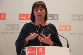"""Armengol dice que el PP oculta el patrimonio de altos cargos como en """"la época negra de Matas"""""""